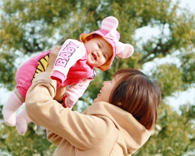 産後の肩こりを改善し、楽しく子育てをしましょう